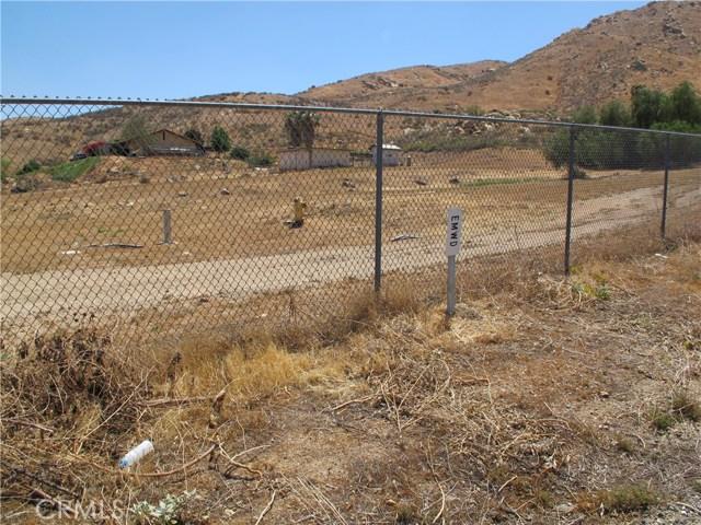11275 Eagle Rock Road, Moreno Valley CA: http://media.crmls.org/medias/c96da3f8-bdc4-40d4-b9b4-9e9cb1990095.jpg