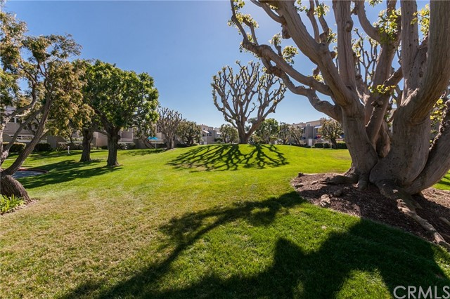 3262 Sparkler Drive, Huntington Beach CA: http://media.crmls.org/medias/c97468d3-d320-4c42-b993-dc8e6e9e46c4.jpg