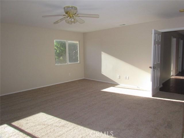 42205 57th W Street, Quartz Hill CA: http://media.crmls.org/medias/c97f4629-b9e3-42ae-826a-5f295061b3c5.jpg