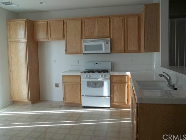 15855 Desert Rock Street Adelanto CA 92301