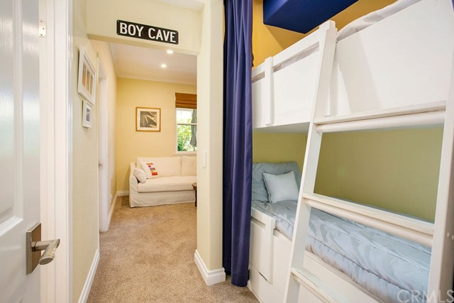 70 Ocean Vista, Newport Beach CA: http://media.crmls.org/medias/c9817592-3764-46e3-bd32-55d26d9cf316.jpg