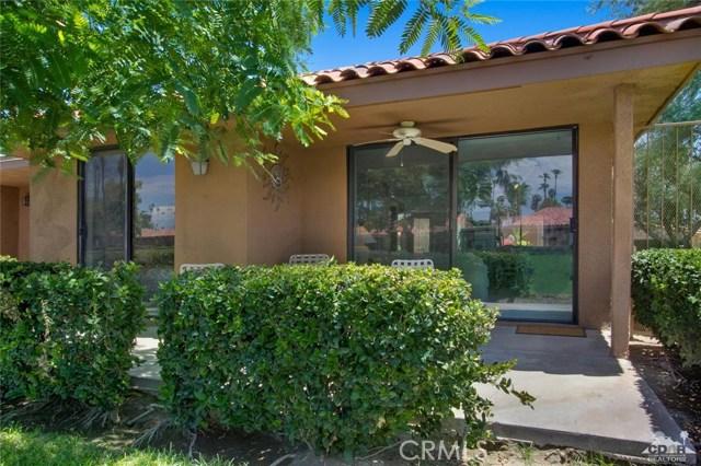 21 La Cerra Drive, Rancho Mirage CA: http://media.crmls.org/medias/c98716b0-3b07-4d92-a4ce-be0ef418d0b5.jpg