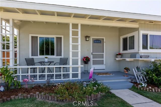 2850 Foreman Avenue, Long Beach CA: http://media.crmls.org/medias/c98b1c43-ee6f-425f-a4d2-cbc9d9f2e00c.jpg