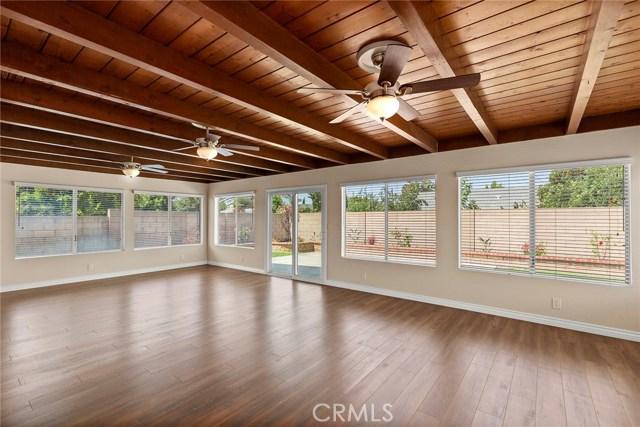 2483 W Harriet Lane, Anaheim CA: http://media.crmls.org/medias/c99256e7-2c88-4df7-91cf-c5f291f8318f.jpg