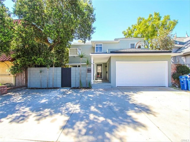 11850 Magnolia Boulevard, Valley Village CA: http://media.crmls.org/medias/c9a75891-b9b0-49e6-b03b-df5eb2674568.jpg