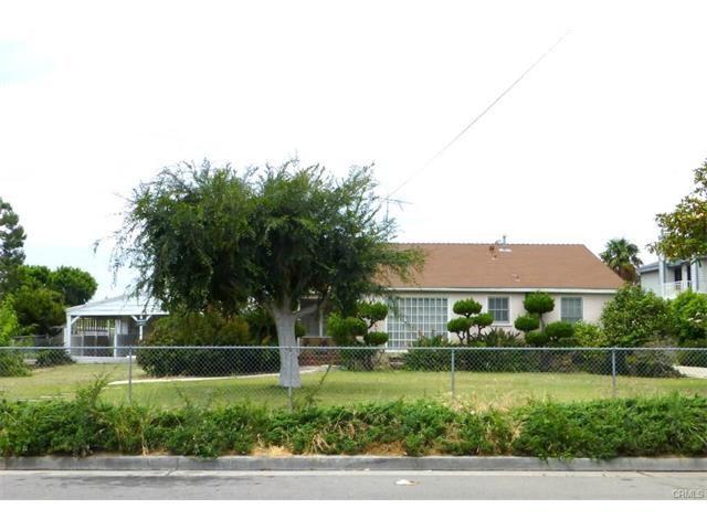 Single Family Home for Sale at 1122 Bewley Street N Santa Ana, California 92703 United States