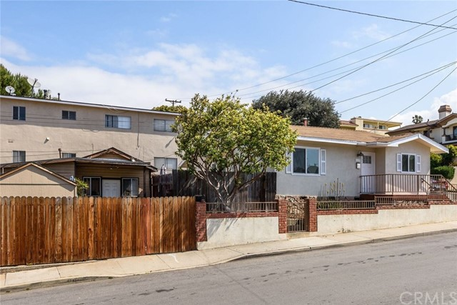 427 E Franklin Avenue, El Segundo CA: http://media.crmls.org/medias/c9ad2213-917d-44be-bb6f-b4ef02dd0a67.jpg