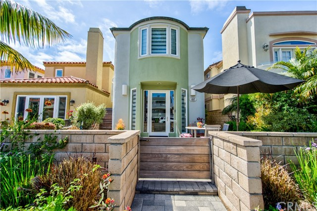 217  6th Street 92648 - One of Huntington Beach Homes for Sale