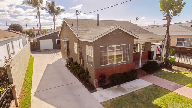 Residential Income for Sale at 3152 W 113th Street 3152 W 113th Street Inglewood, California 90303 United States
