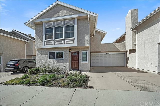 1923 Grant Avenue, Redondo Beach, California 90278, 2 Bedrooms Bedrooms, ,1 BathroomBathrooms,Townhouse,For Sale,Grant,SB21041133
