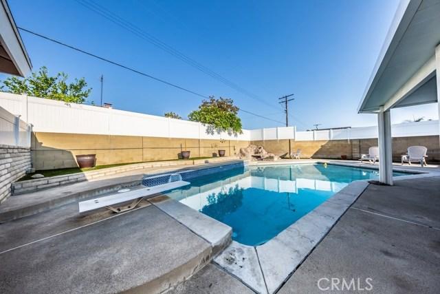 830 S Phyllis Cr, Anaheim, CA 92806 Photo 4