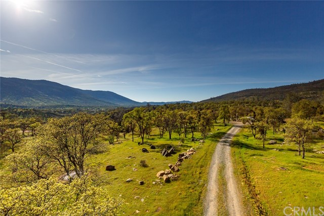 4753 Bear Valley Road, Mariposa CA: http://media.crmls.org/medias/c9d5f17b-1c01-4070-ab32-a46b4acab0c4.jpg