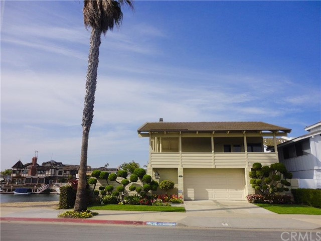 Single Family Home for Sale at 4051 Davenport St Huntington Beach, California 92649 United States