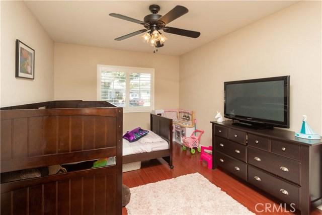 6102 Eberle Street, Lakewood CA: http://media.crmls.org/medias/c9daa81e-65a4-4f68-96be-4d0597dd2331.jpg
