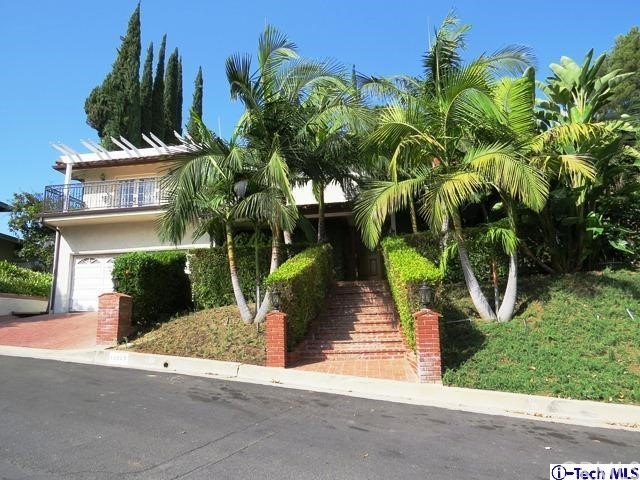 Single Family Home for Rent at 10247 Kalua Drive Shadow Hills, California 91040 United States