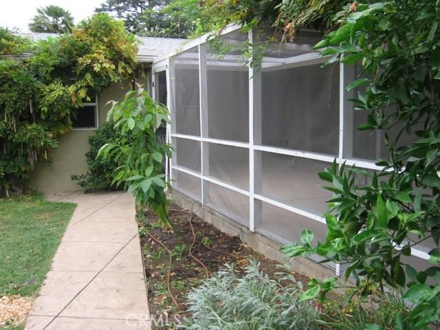 5027 Hayvenhurst Avenue, Encino CA: http://media.crmls.org/medias/c9e32b04-484d-477e-8962-0158e06a0ab6.jpg