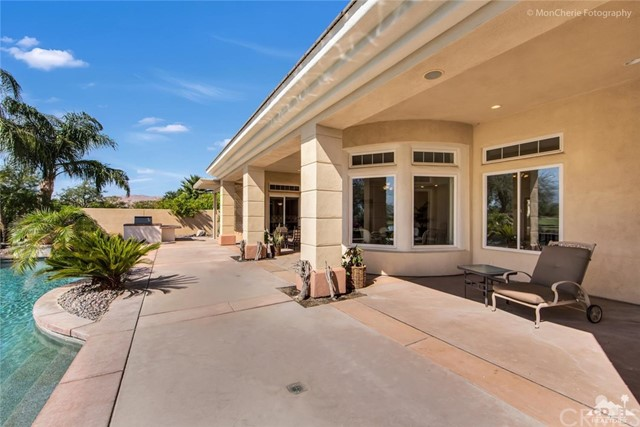 5 Via Bella, Rancho Mirage CA: http://media.crmls.org/medias/c9f8e511-a78c-45af-b50d-8bb5e17c8608.jpg