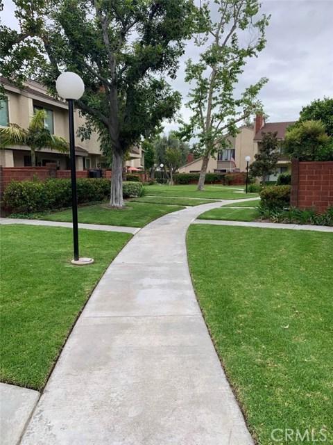 982 W Lamark Ln, Anaheim, CA 92802 Photo 17