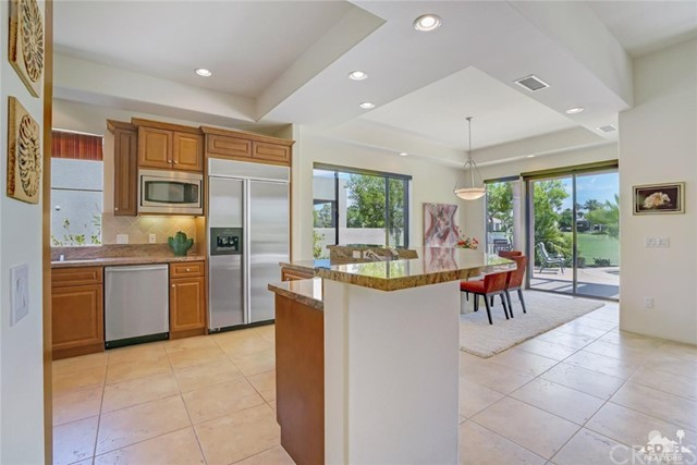 10 Via Haciendas, Rancho Mirage CA: http://media.crmls.org/medias/ca0783e5-68bd-4397-a324-d511e58cbdaa.jpg
