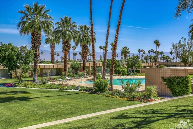 72813 Willow Street, Palm Desert CA: http://media.crmls.org/medias/ca0c1f20-55c2-4dd1-a46b-1d01a7baf5ef.jpg
