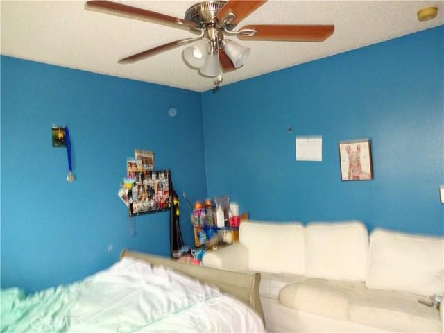 529 W Santa Cruz Street, San Pedro CA: http://media.crmls.org/medias/ca10bae0-da25-4575-8afd-2d2ec3aebc98.jpg