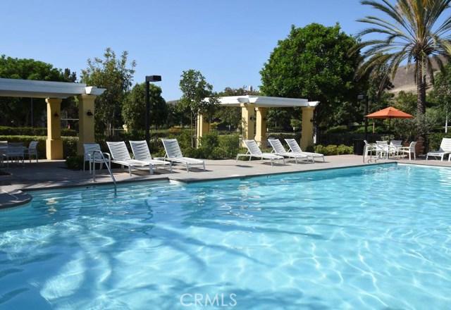 9 Chilmark Street, Ladera Ranch CA: http://media.crmls.org/medias/ca11f4e3-bd61-4649-8331-4626effb4b00.jpg