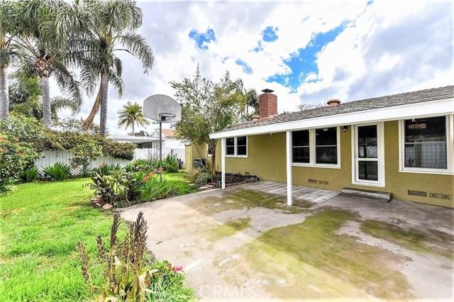 1431 Riviera Drive, Santa Ana CA: http://media.crmls.org/medias/ca1c8145-2197-44da-af30-3041e347da13.jpg
