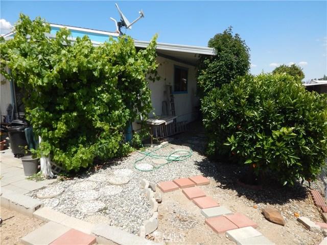 2200 W WILSON Street, Banning CA: http://media.crmls.org/medias/ca269da1-20e3-48c7-b910-116581839b62.jpg