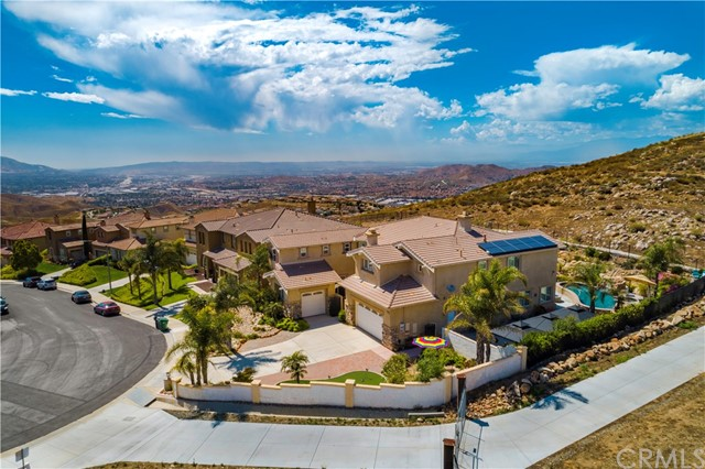 Photo of 16904 Ridge Cliff Drive, Riverside, CA 92503
