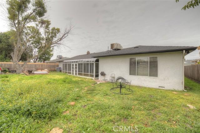 6324 N Bond Street, Fresno CA: http://media.crmls.org/medias/ca4b2b2c-6f7c-4ec5-b121-c40356d2cd49.jpg