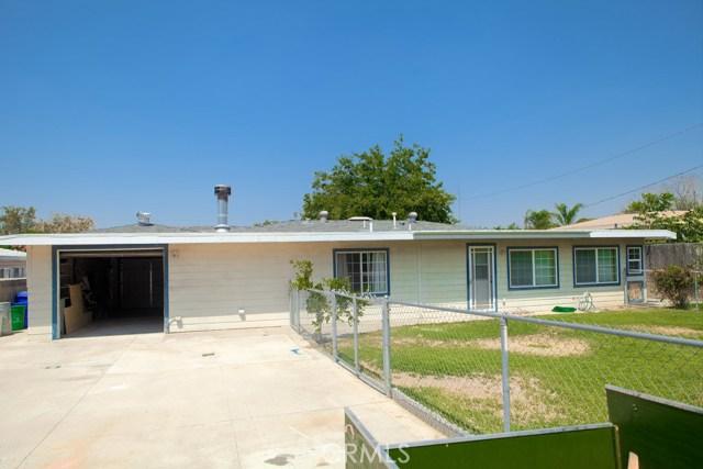 6803 Golondrina Drive, San Bernardino CA: http://media.crmls.org/medias/ca5795dd-865c-4884-92ca-5fd306c90379.jpg