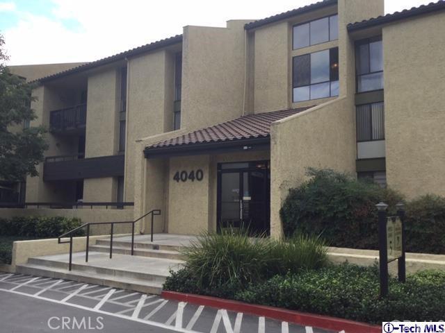 4040 Via Marisol, Los Angeles CA: http://media.crmls.org/medias/ca69239d-9f24-4bba-b486-40332bd17f32.jpg