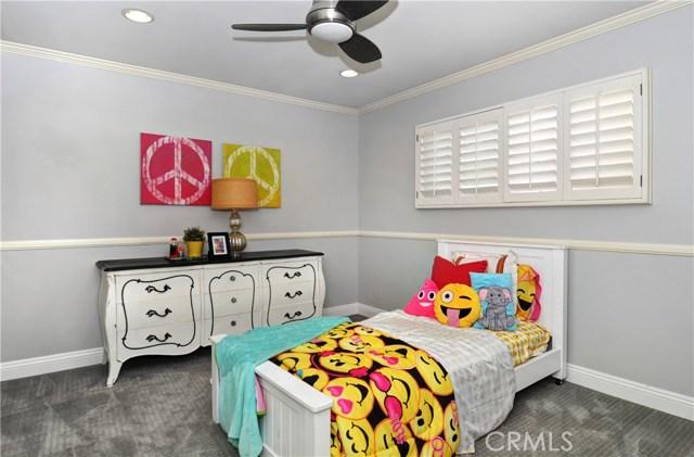 496 Walnut Place Costa Mesa, CA 92627 - MLS #: NP17167647
