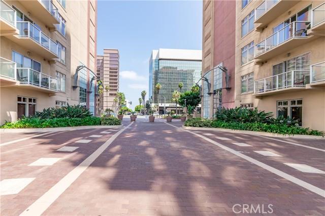 388 E Ocean Boulevard, Long Beach CA: http://media.crmls.org/medias/ca867d4d-0ed2-43c4-9d86-c52ac23c3018.jpg