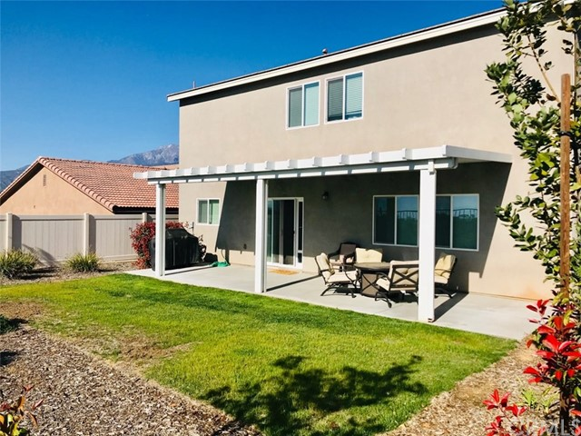 1322 Pinehurst Drive, Calimesa CA: http://media.crmls.org/medias/ca97a2ce-bd75-4c03-a5b6-2868381098b9.jpg