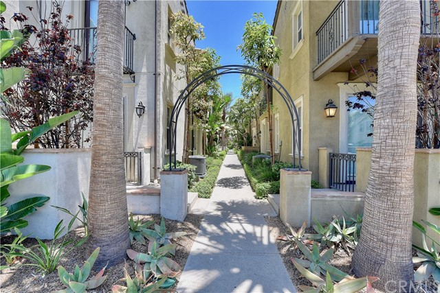 586 S Casita St, Anaheim, CA 92805 Photo 1