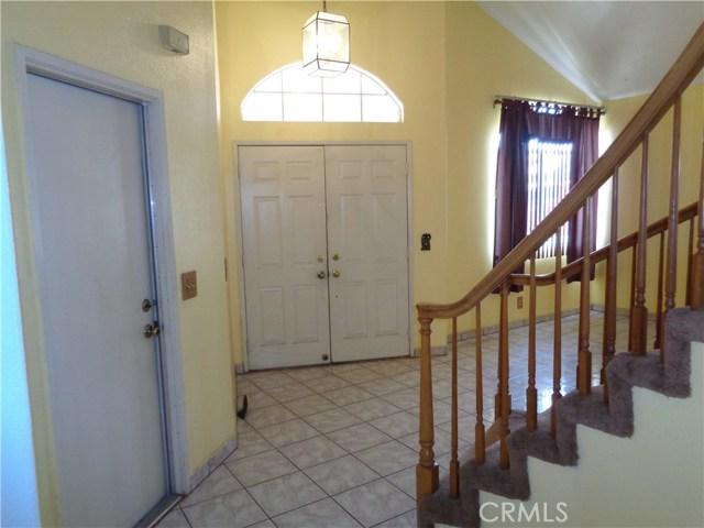 12930 Sample Court, Moreno Valley CA: http://media.crmls.org/medias/cabaa0d2-b577-47a4-8f2b-b692aa2b8533.jpg
