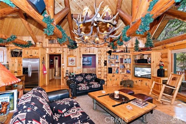 809 Oriole Drive, Big Bear CA: http://media.crmls.org/medias/cad10786-9ad6-4106-be62-076c7b769609.jpg
