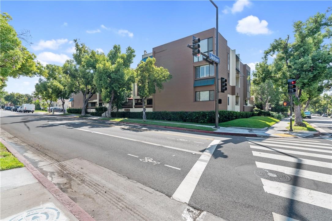 540 N Jackson Street, 201, Glendale, CA 91206