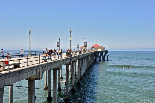 19072 Oceanport Lane, Huntington Beach CA: http://media.crmls.org/medias/cadcf38e-ad7f-4c15-92d5-a3ef97b26c0e.jpg