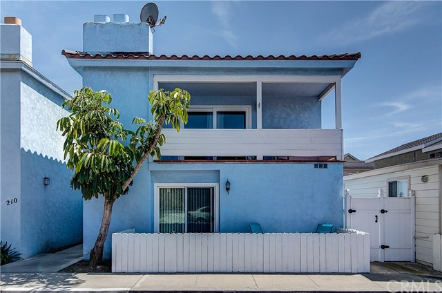 208 Fern Street Newport Beach, CA 92663 OC17028671