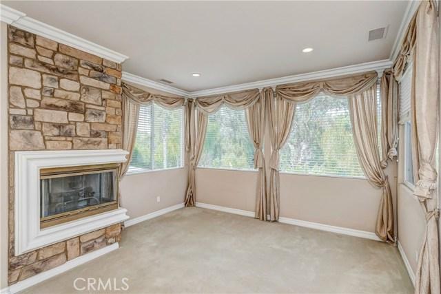 685 Noble Rd., Simi Valley CA: http://media.crmls.org/medias/cae1c1de-92a9-4d9e-95dc-51e18fa905db.jpg