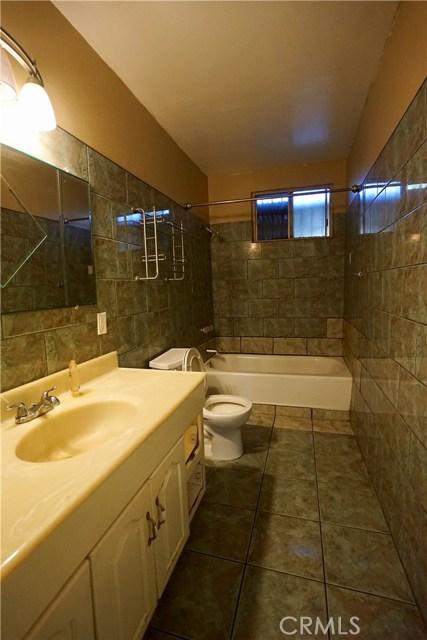 395 W Grand Avenue, Pomona CA: http://media.crmls.org/medias/caed107f-cb0f-4246-8be1-642514074b66.jpg