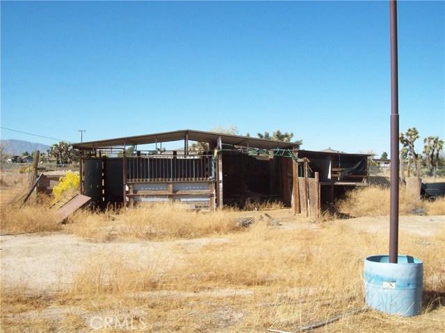11232 Anderson Ranch Road, Phelan CA: http://media.crmls.org/medias/caee6073-27d1-472d-be94-890a2f2ef7e0.jpg