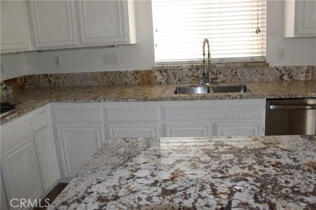 13383 Gettysburg Street, Fontana CA: http://media.crmls.org/medias/caf2010b-d9f9-49f3-9bd5-a06136eb6efc.jpg