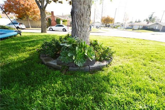 6767 Nixon Street, Lakewood CA: http://media.crmls.org/medias/caf82739-d413-4d03-aa96-b6a1d6b73459.jpg