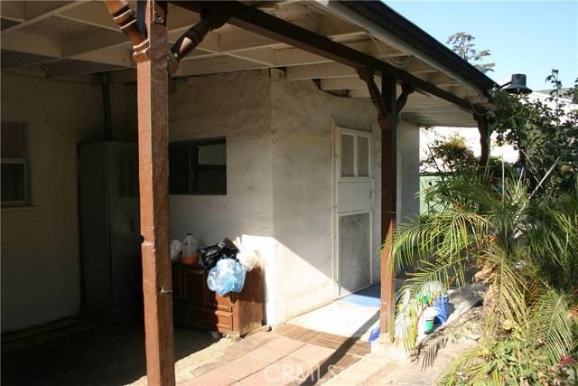 15808 Victoria Avenue, La Puente CA: http://media.crmls.org/medias/cafc327c-37b3-4f45-847b-3bd34249b80f.jpg