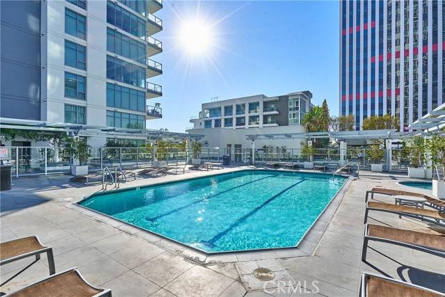 400 W Ocean Boulevard, Long Beach CA: http://media.crmls.org/medias/cb073a36-4c1d-427c-8aa9-be43f75bdbe1.jpg