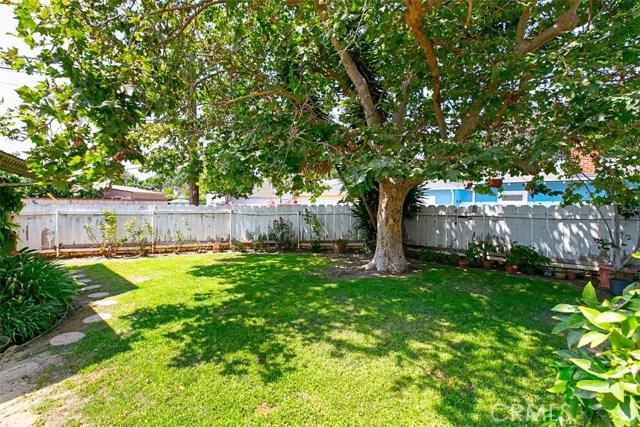 1424 E Armando Drive, Long Beach CA: http://media.crmls.org/medias/cb149df9-b4ad-4423-b5a5-24231fdf5778.jpg