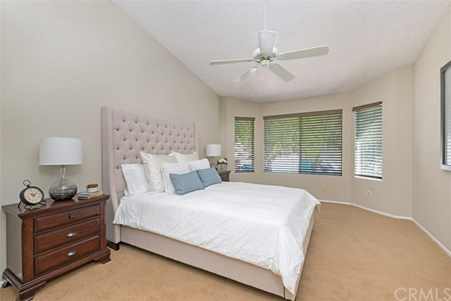29035 Canyon Crest Drive, Lake Forest CA: http://media.crmls.org/medias/cb2b4a1e-8dc6-4baa-ae78-fb29825e4d9d.jpg